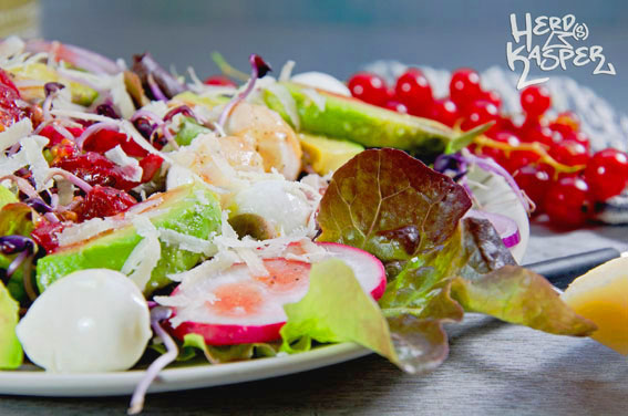 Bunter Salat mit Johannisbeer-Dressing_01