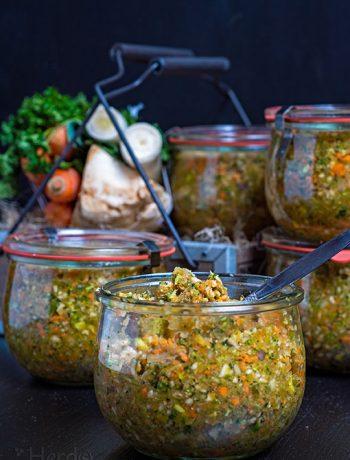 Hausgemachte Instant-Gemüsebrühe