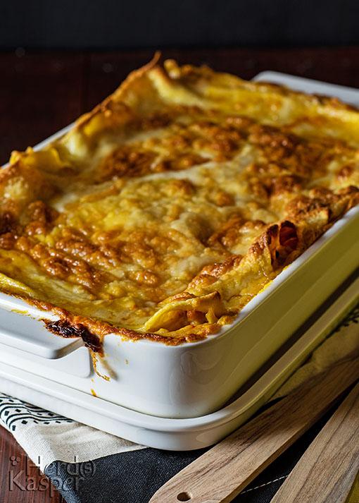 Die knackige Kruste der veganen Herbst-Lasagne