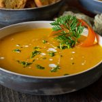 Karottensuppe, mit Orangensaft verfeinert